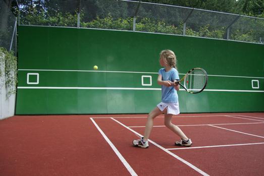 tenniswand_neu_gr